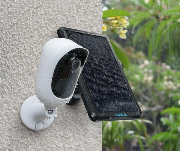 Solar Powered Outdoor Security Camera