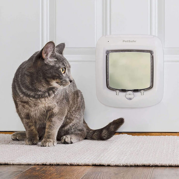 Microchip RFID Pet Door to Keep Away Stray Animals from Your House